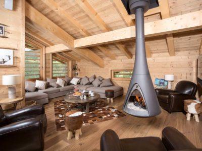 Le poêle à bois suspendu : un réel atout design