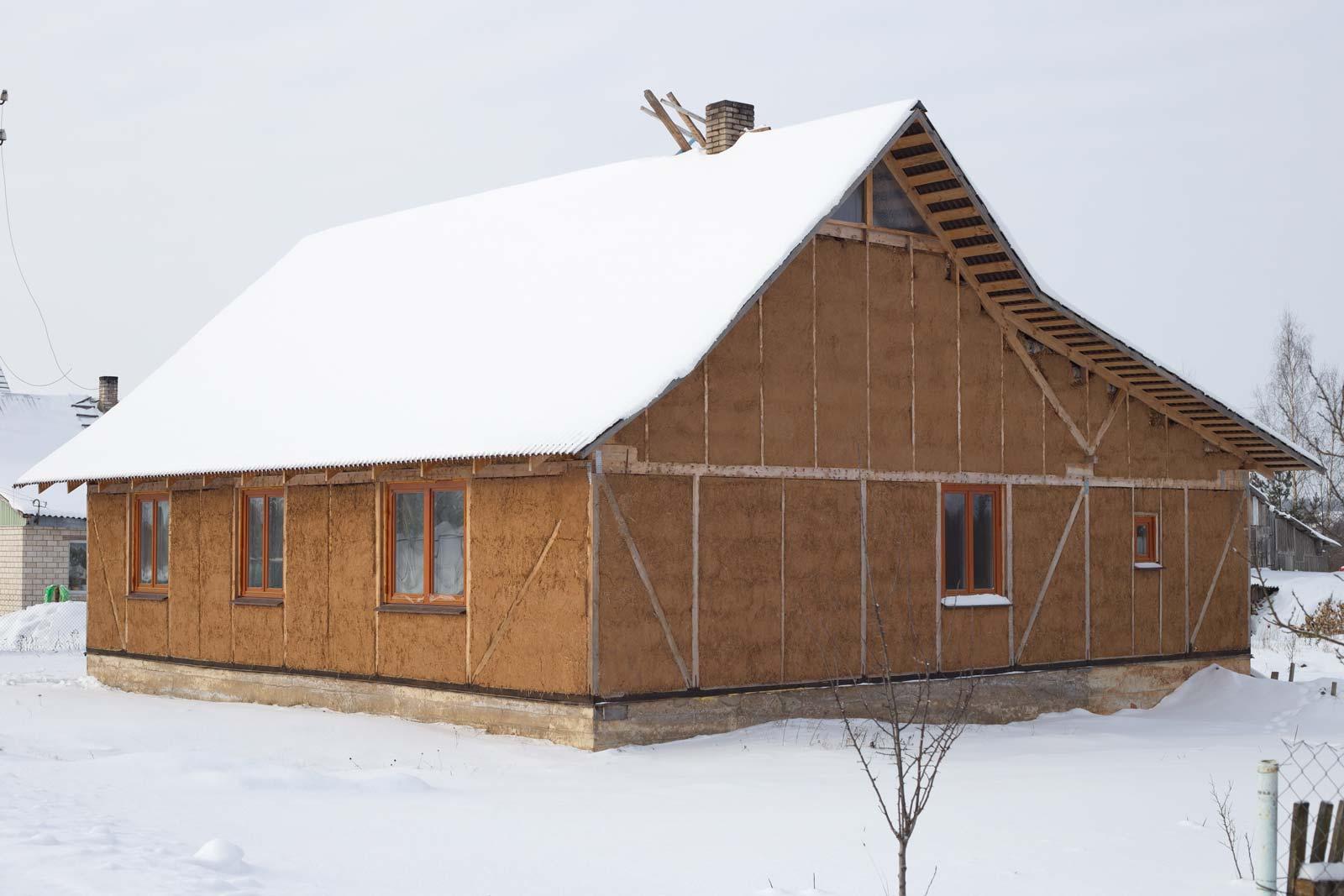 Quotatis habiter une maison en paille a vous botte for Conseils construction maison