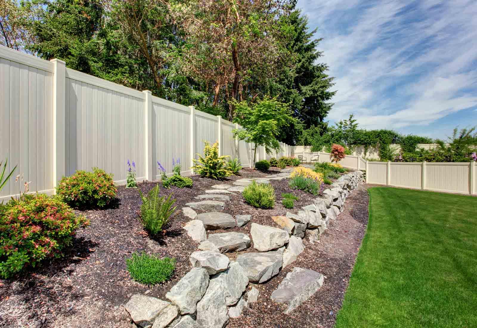 Palissade Bois Leroy Merlin Prix comment décorer une clôture? les 5 astuces indispensables