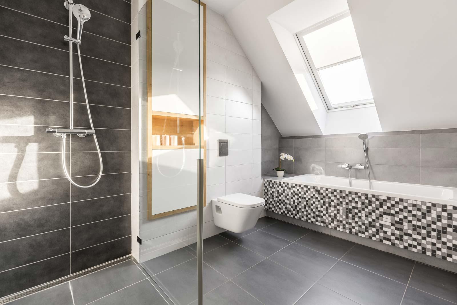 Comment Rénover Un Vieux Carrelage Au Sol comment rénover ou relooker sa salle de bains de manière
