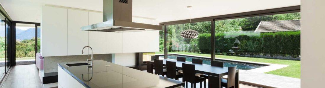 une cuisine dans ma v randa et pourquoi pas conseils travaux. Black Bedroom Furniture Sets. Home Design Ideas
