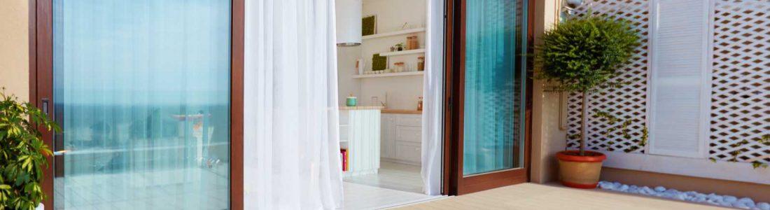 Stores et rideaux pour véranda : comment faire son choix - Conseils ...