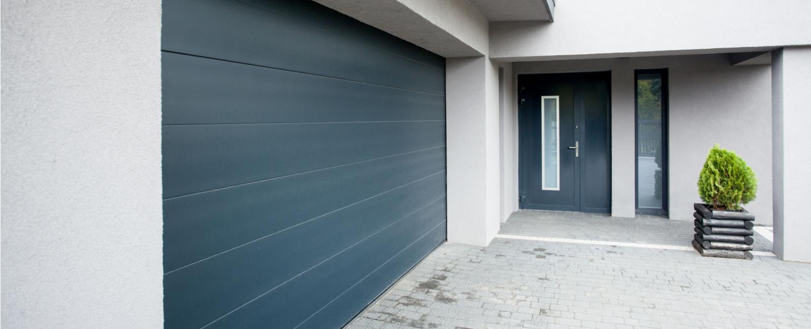 Comment Peindre Une Porte En Pvc combien coûte l'installation, pose & montage de porte de