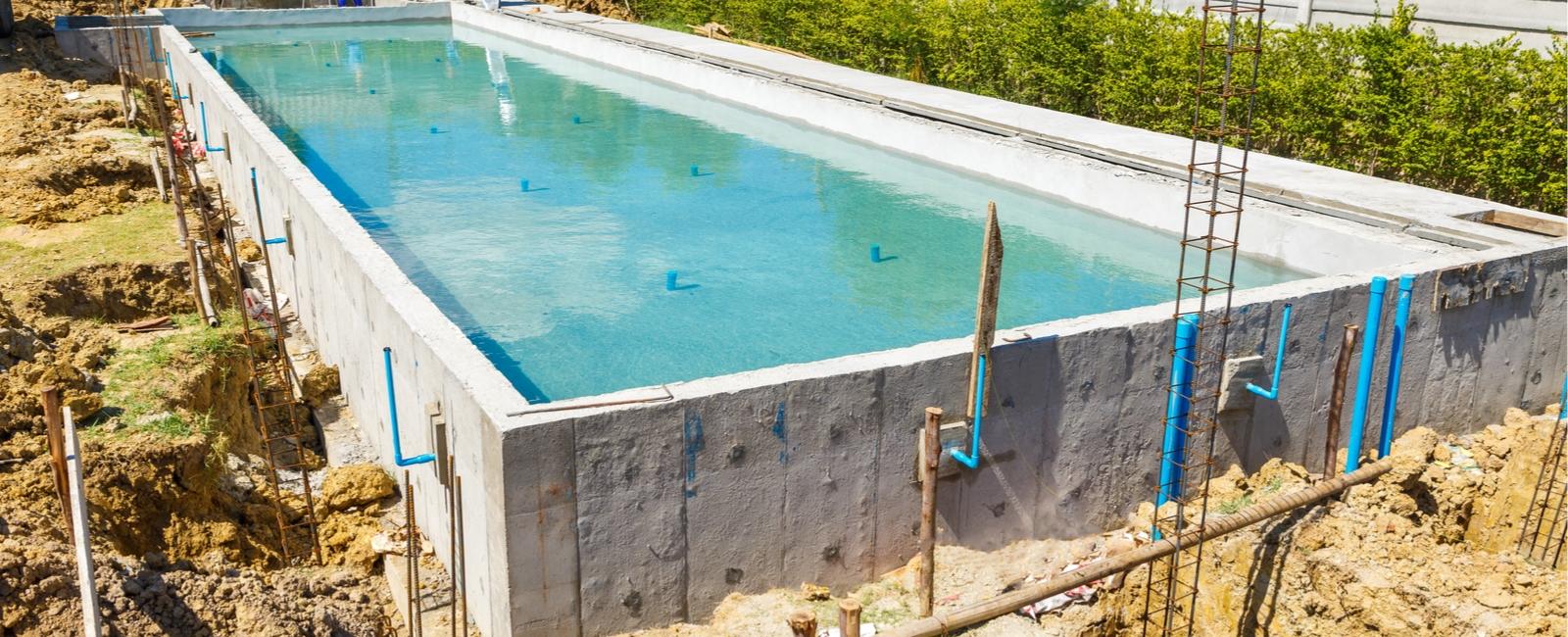 Extension Maison Piscine Couverte combien coûte la construction d'une piscine? prix, coût, devis