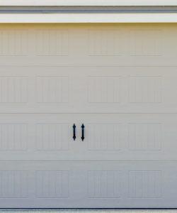 La porte de garage battante