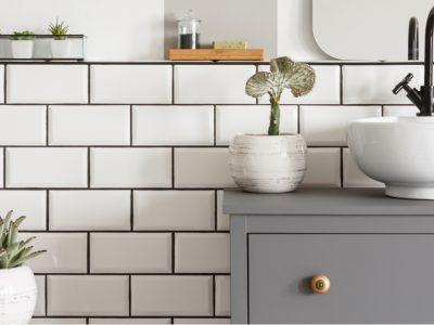 Les indispensables d'une salle de bain pratique et tendance