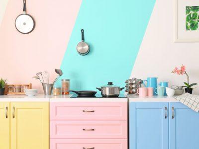 Pour ou contre le papier peint dans la cuisine ?