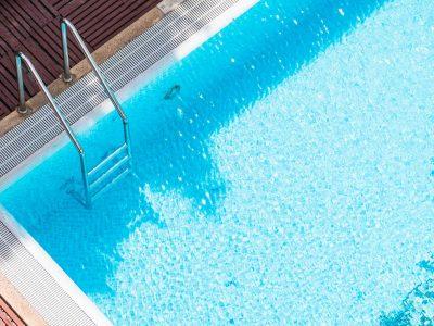 Oubliez la corvée d'entretien de la piscine grâce aux objets connectés !