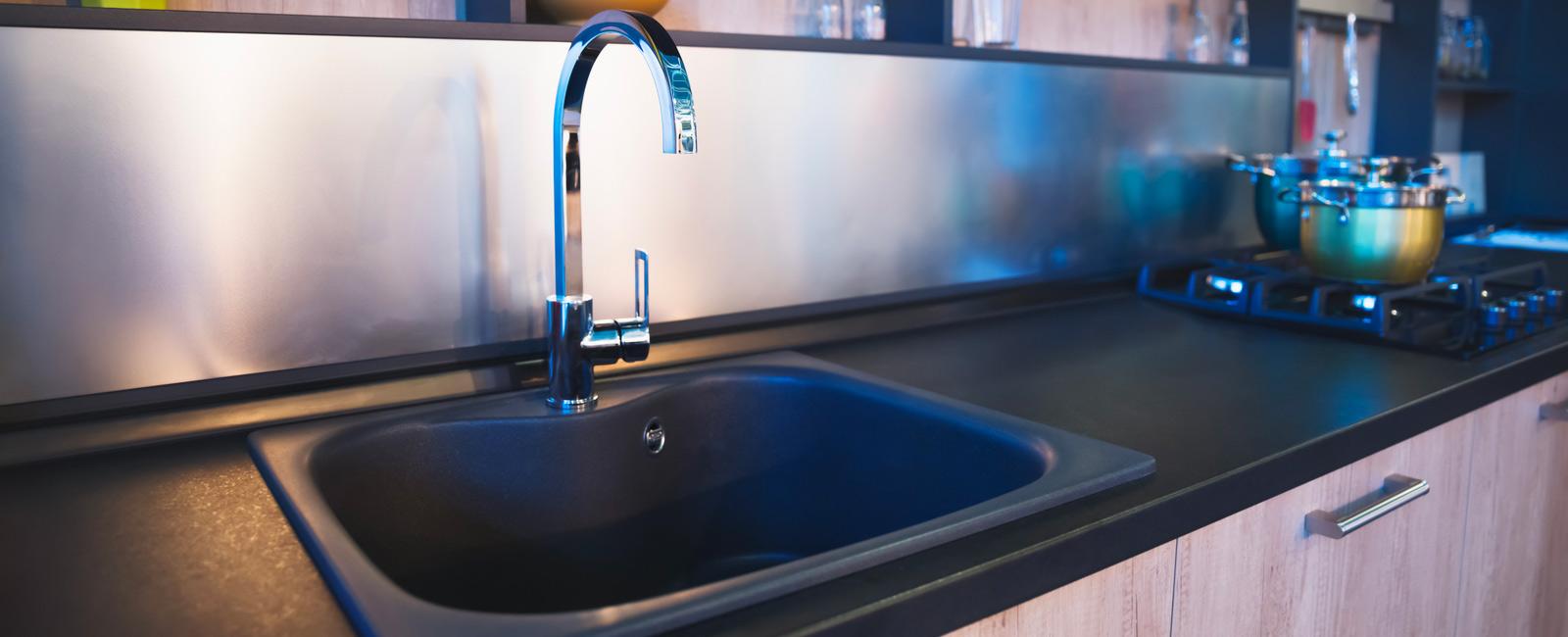 Comment Nettoyer Evier Resine Blanc comment installer, monter un évier ou un lavabo de cuisine ?
