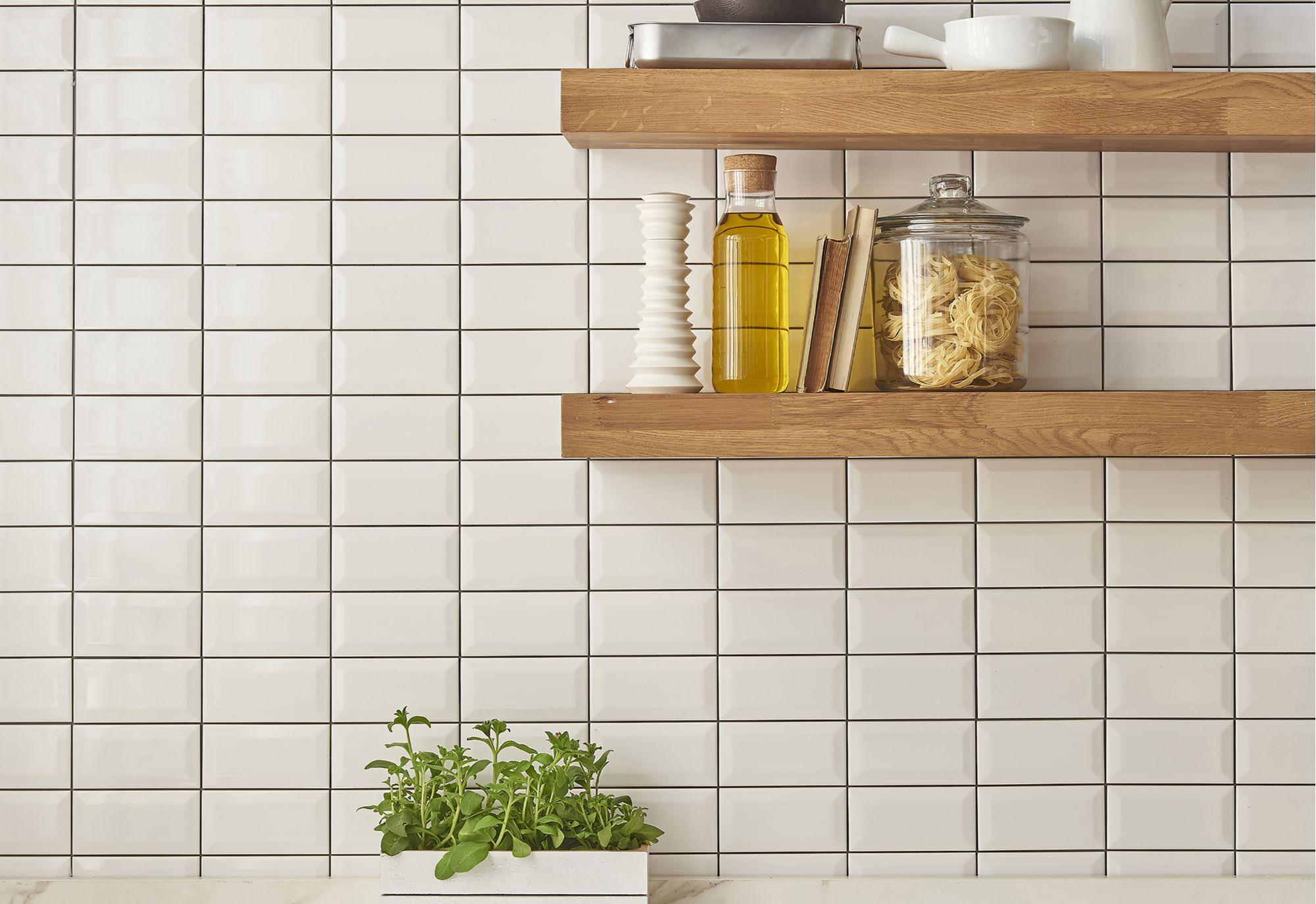Comment installer monter une etag re de cuisine - Comment installer une cuisine equipee ...