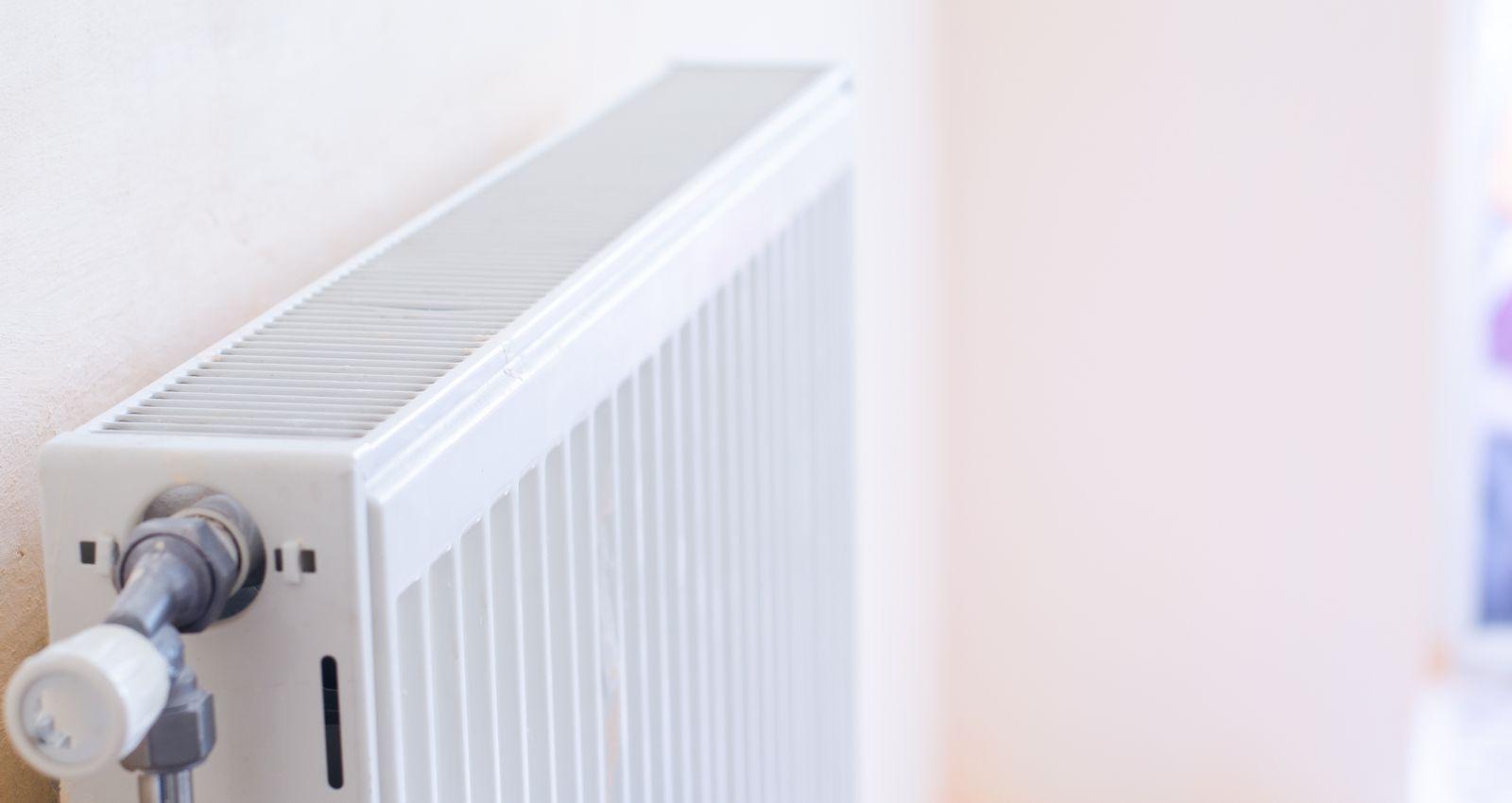 Cache Tuyau Sous Chaudiere combien coûte l'installation, la pose d'un radiateur ? prix