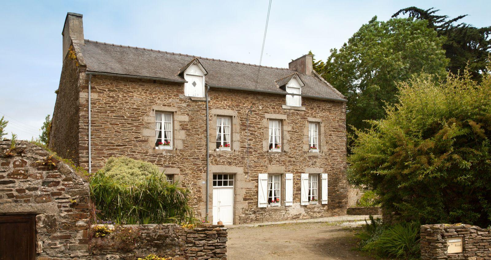 Refaire Fondation Maison Ancienne comment rénover une vieille maison ? prix, coût, devis