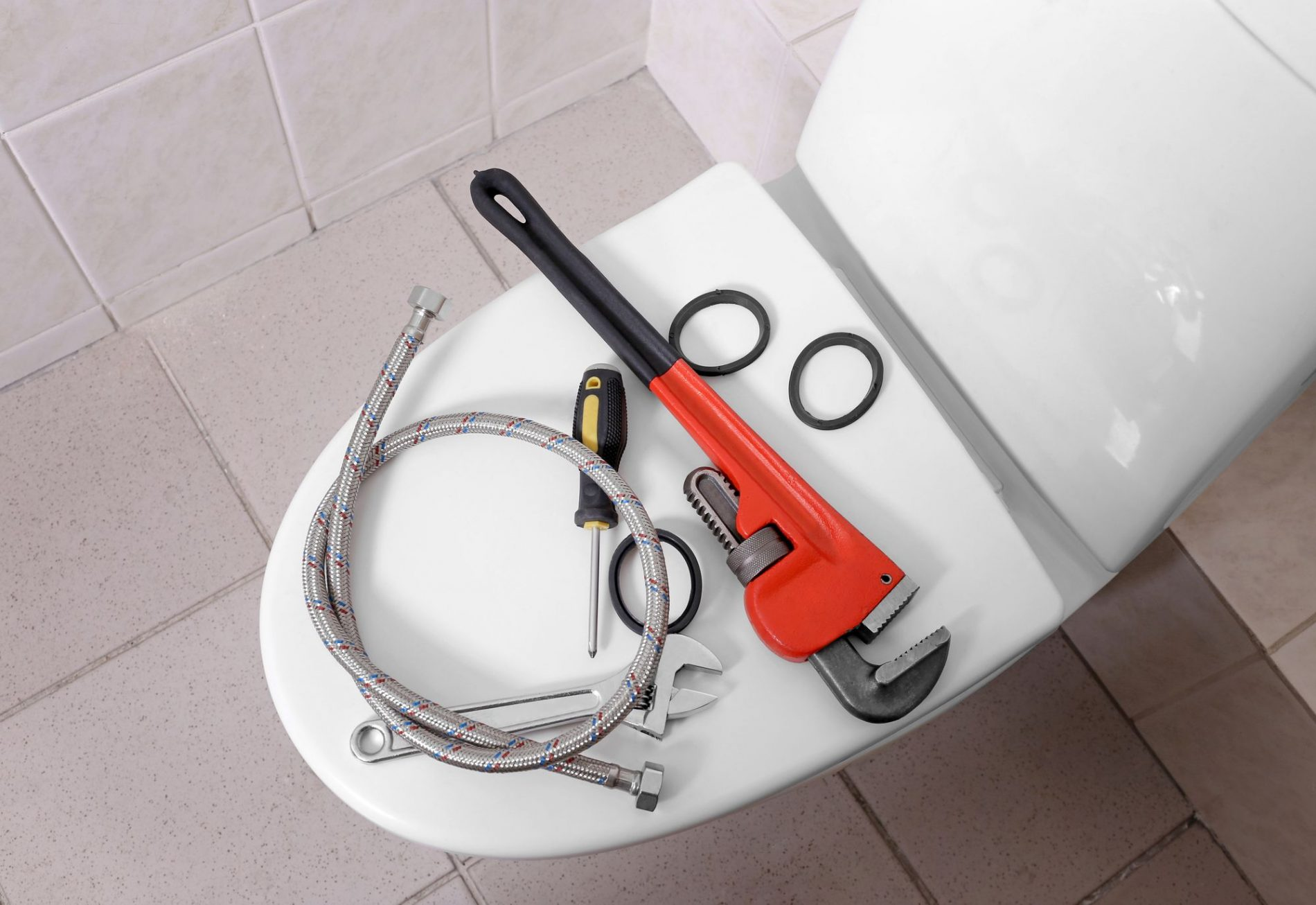 Wc Suspendu 4 Pieds combien coûte l'installation, le montage de toilettes, wc